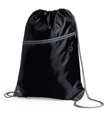 Mochila Poliester 210D / Bolsillo lateral con cierre / Salida Audifonos color negro